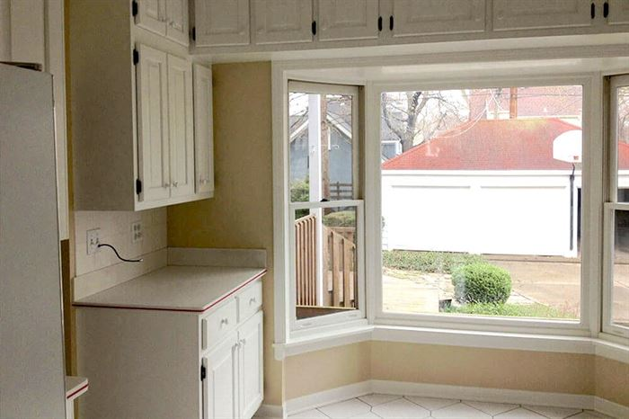 Kitchen bay window before renovation