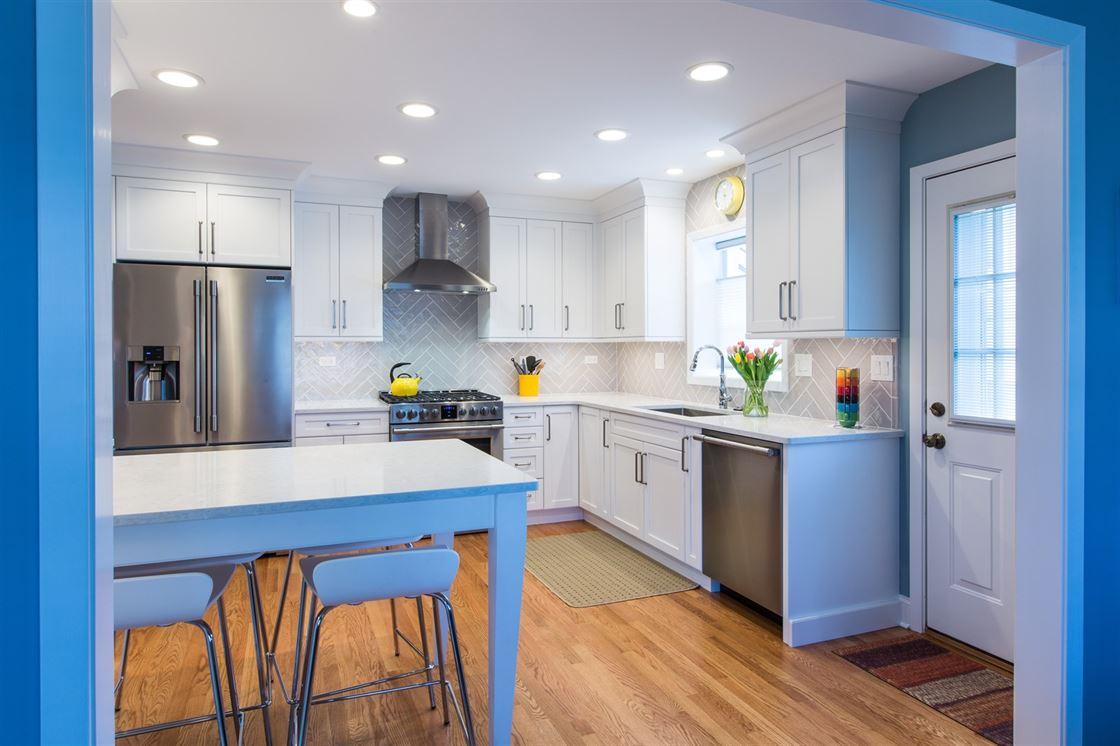 kitchen remodeling arlington heights • lamantia design & remodeling